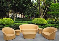 Садовая мебель: 2 дивана, кресло, стол