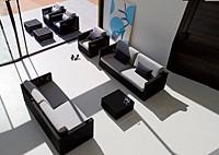 Садовая мебель: 3 дивана, 2 кресла, 3 стола