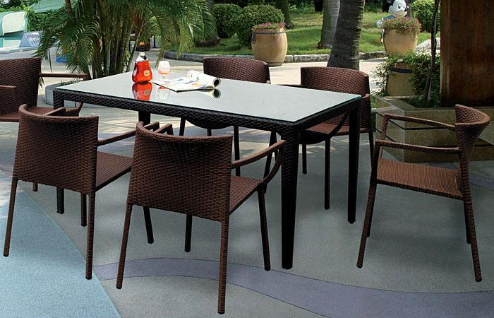 6 стульев и прямоугольный стол